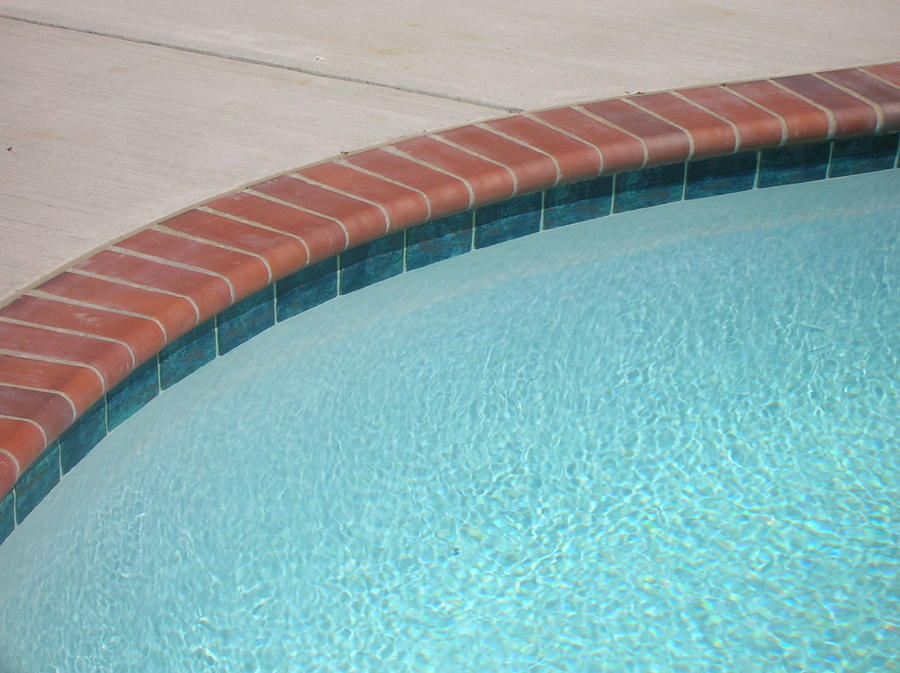 Brick Coping w/Verona Turquoise Tile