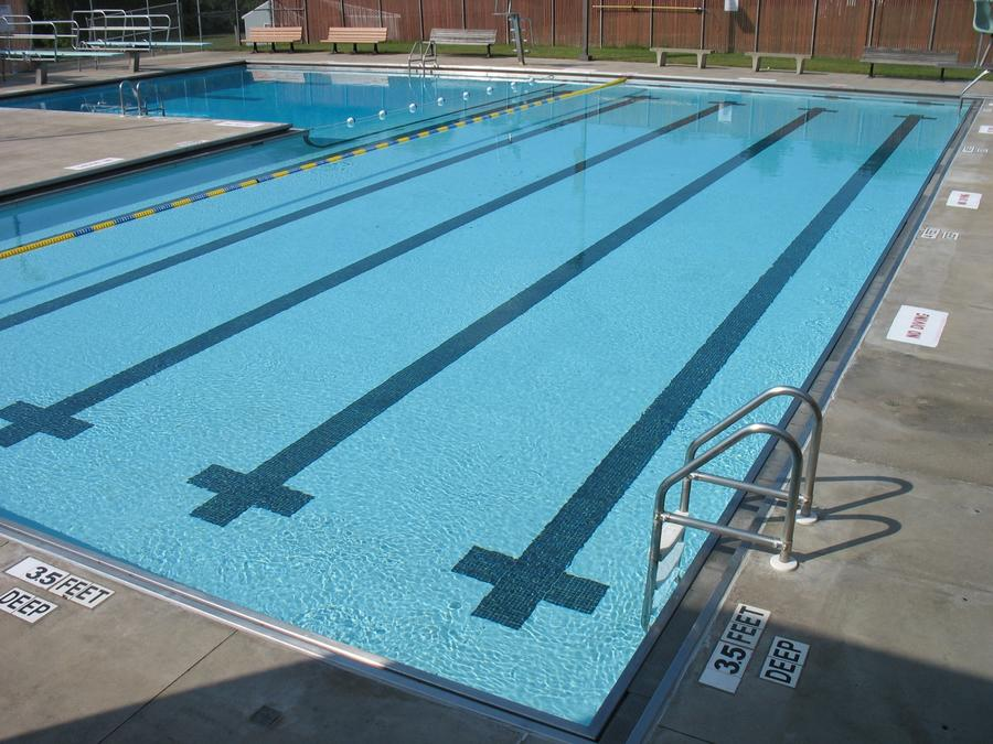 Commercial Town Pool: Luna Quartz White